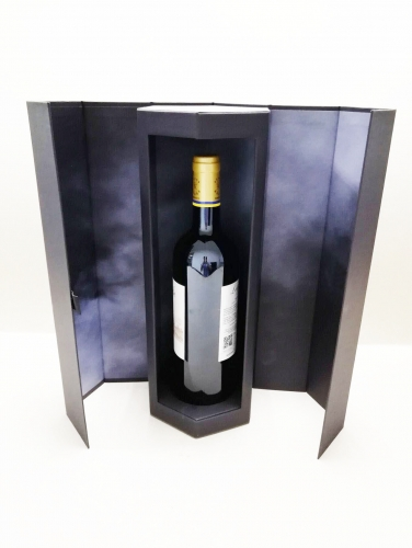 Black recyclable paper hexagon wine boxes