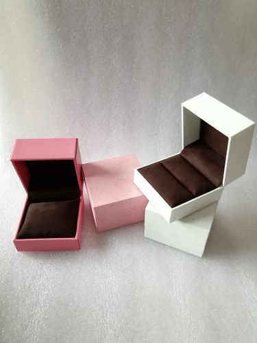 China High End Luxury Gift Display Packaging Fashion Pink Jewelry Box For Gold Jewellery