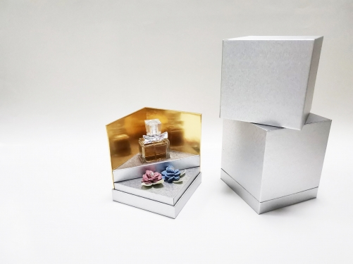 Luxury high-end fragrance essential oil perfume bottle paper gift box packaging box